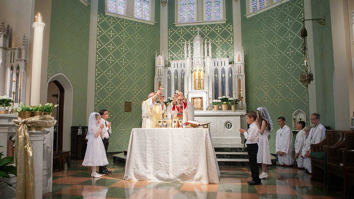 blog-feature-st-lukes-first-communion-2016
